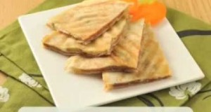 ساندويتش جبن قشقوان بالبسطرمة وصفات فتافيت سحور رمضان