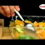 سلمون مغلف بالعسل وزهر البنسفج مع سلطة الحمضيات مطبخنا العربي2