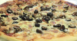بيتزا بالتونة – نجلاء الشرشابي